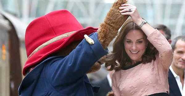 Kate Middleton did a little dance with Paddington Bear at a train station: