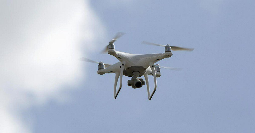 Drone crashes into passenger plane inCanada