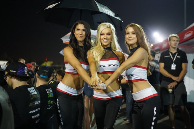 1 pic. Great ending to an amazing season with my girls ❤️ @CourtneyyRiggs_ @NittoTire @FormulaDrift https://t