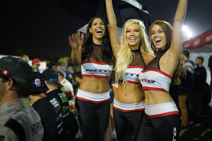 3 pic. Great ending to an amazing season with my girls ❤️ @CourtneyyRiggs_ @NittoTire @FormulaDrift https://t