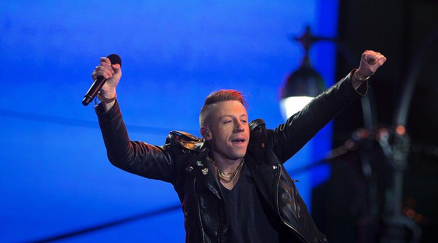 'F**k Donald Trump' chant led by Macklemore at Arizona concert