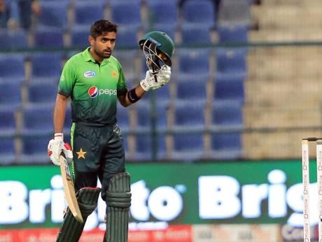 Azam hits ton as Pakistan sink Sri Lanka