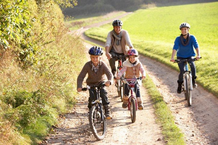 Training Program Helps Suburban Residents Push For Biking, WalkingPaths