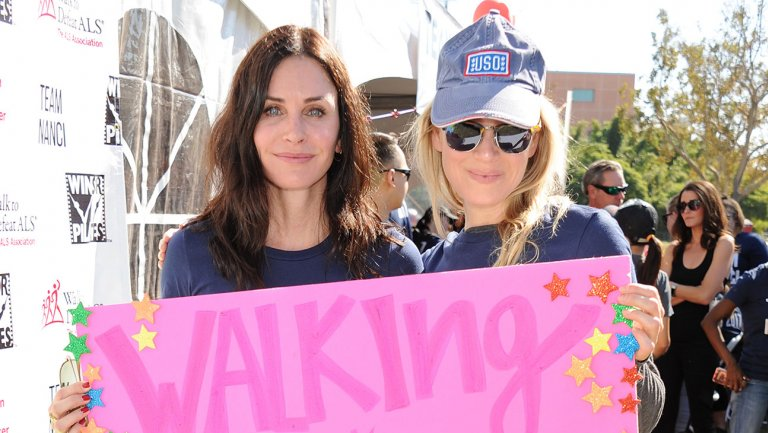 Renee Zellweger, @CourteneyCox and @MattBomer turn out for Team Nanci at ALS Walk