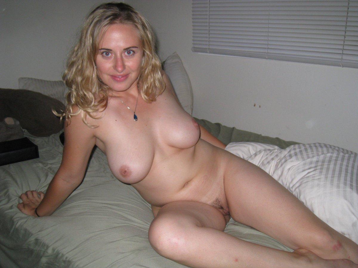 Тети за 30 голые, Женщинам за 30 хочется безудержного секса - секс порно 12 фотография