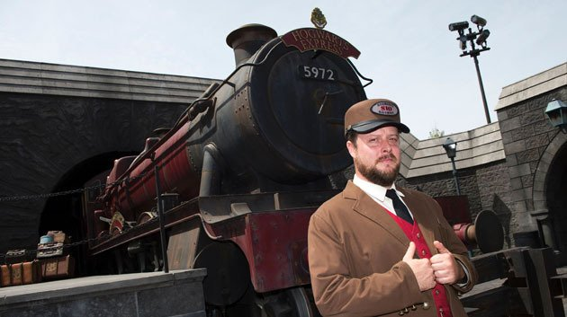 'Hogwarts Express' Rescues Stranded Family In Scotland