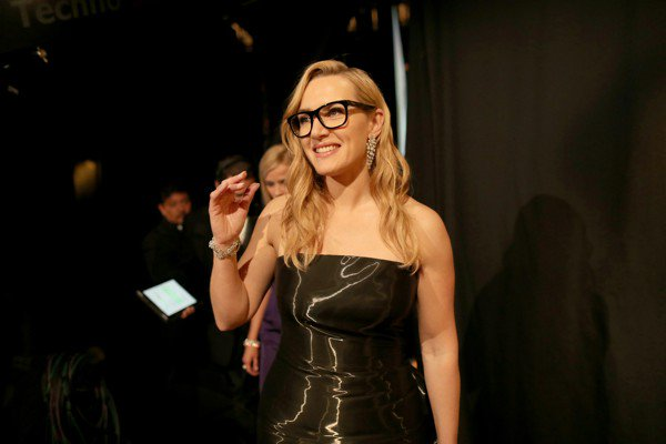 Kate Winslet says she intentionally snubbed Harvey Weinstein in Oscars speech