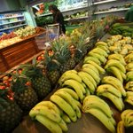 Zimbabwe bans fruit, vegetable imports as forex crunch deepens