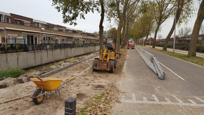 Rondom Poeldijk is het maar druk met werkzaamheden. Zo ook aan de Rijsenburgerweg waar flink gebouwd wordt. https://t.co/5c07FugpiS