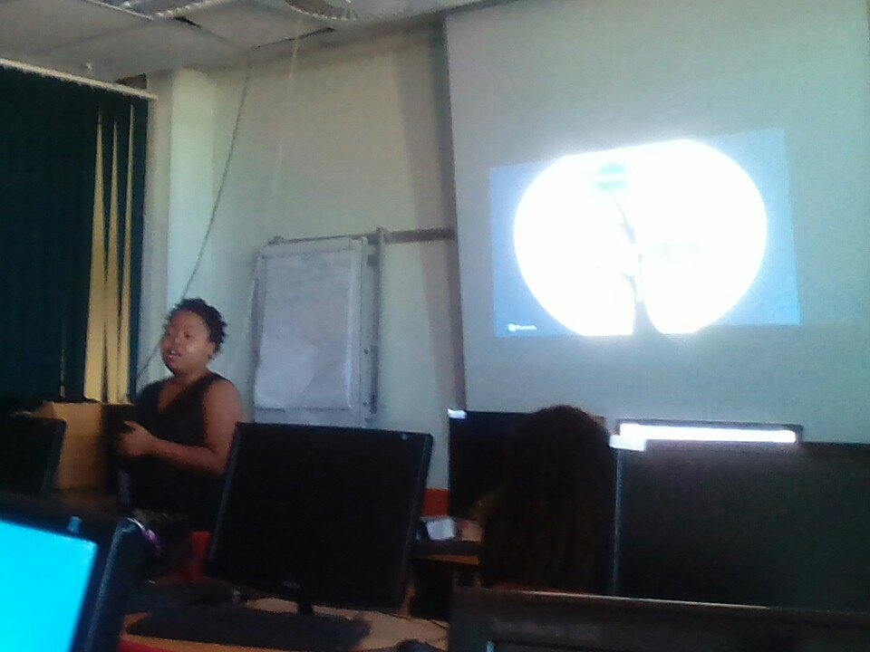 Pearson training- Sally discussing the value of using trusted content with Librarians @unam_na @UnamLibrary https://t.co/Zmanx90vvY