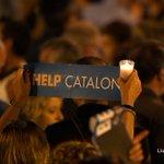Miles de catalanes protestan contra el encarcelamiento de líderes independentistas