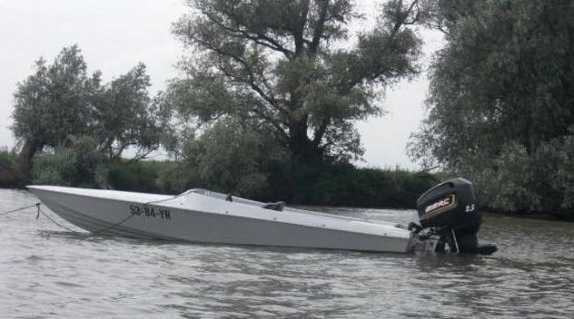 Speedboot met trailer gestolen https://t.co/ix1PLNh60B https://t.co/VxfFblKy5Y