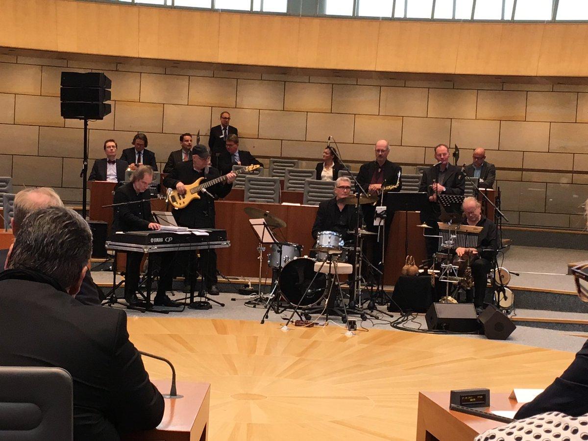 test Twitter Media - Festakt im Landtag zum Reformationsjubiläum und die musikalische Begleitung durch Erhard Ufermanns Jazzformation. https://t.co/906CvpGzhH