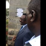 Lawyer James Orengo dramatically decides to pin court order on Jimi Wanjigi's house