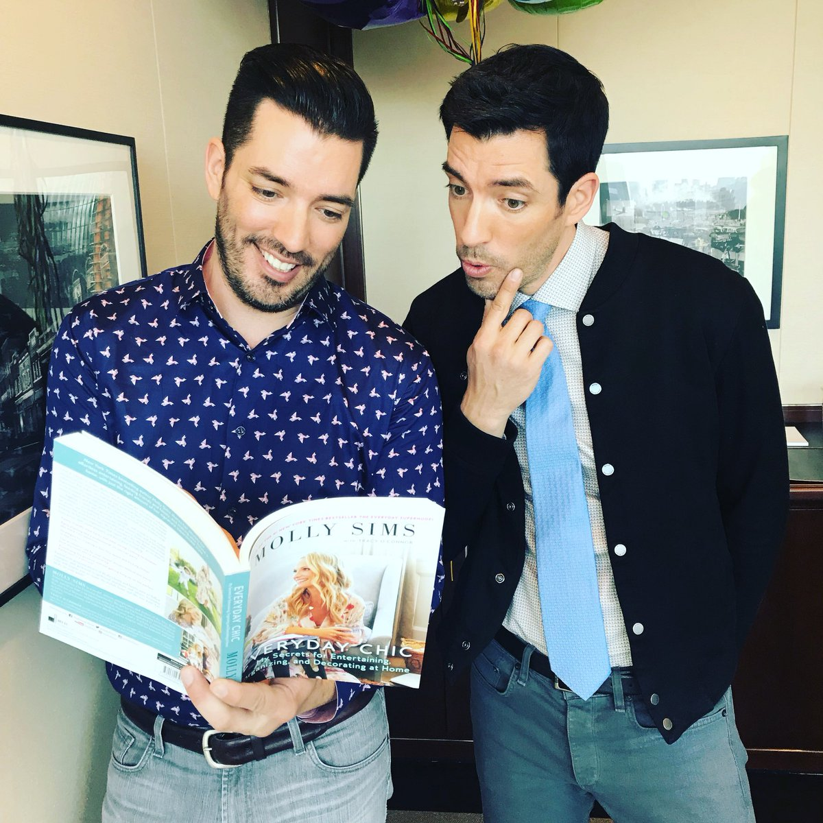 RT @MrSilverScott: Thanks @mollybsims for helping us prep to entertain the family with Everyday Chic. Love the read! https://t.co/c4q2YjenH6