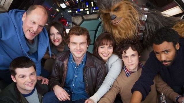 New title for Han Solo 'Star Wars' spinoff announced https://t.co/n3YCg0BSkO https://t.co/7Fh7wJd8L0