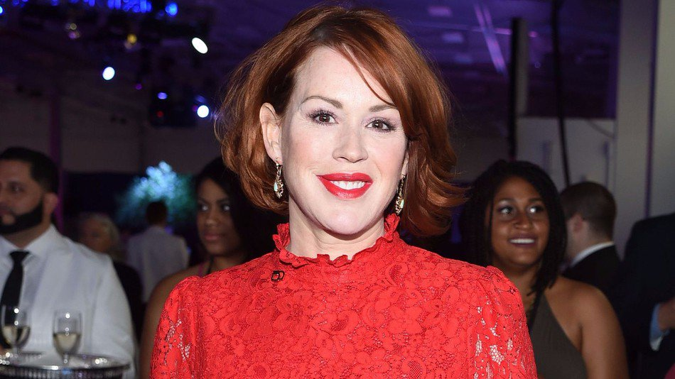 America's sweetheart Molly Ringwald was harassed because men are garbage https://t.co/wtarsgFLpG https://t.co/X3HYmzPidG