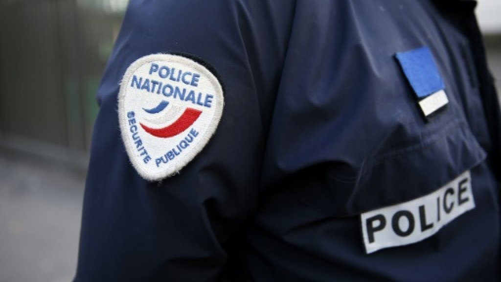 Ten arrested in France over suspected plot to target politicians: probe source