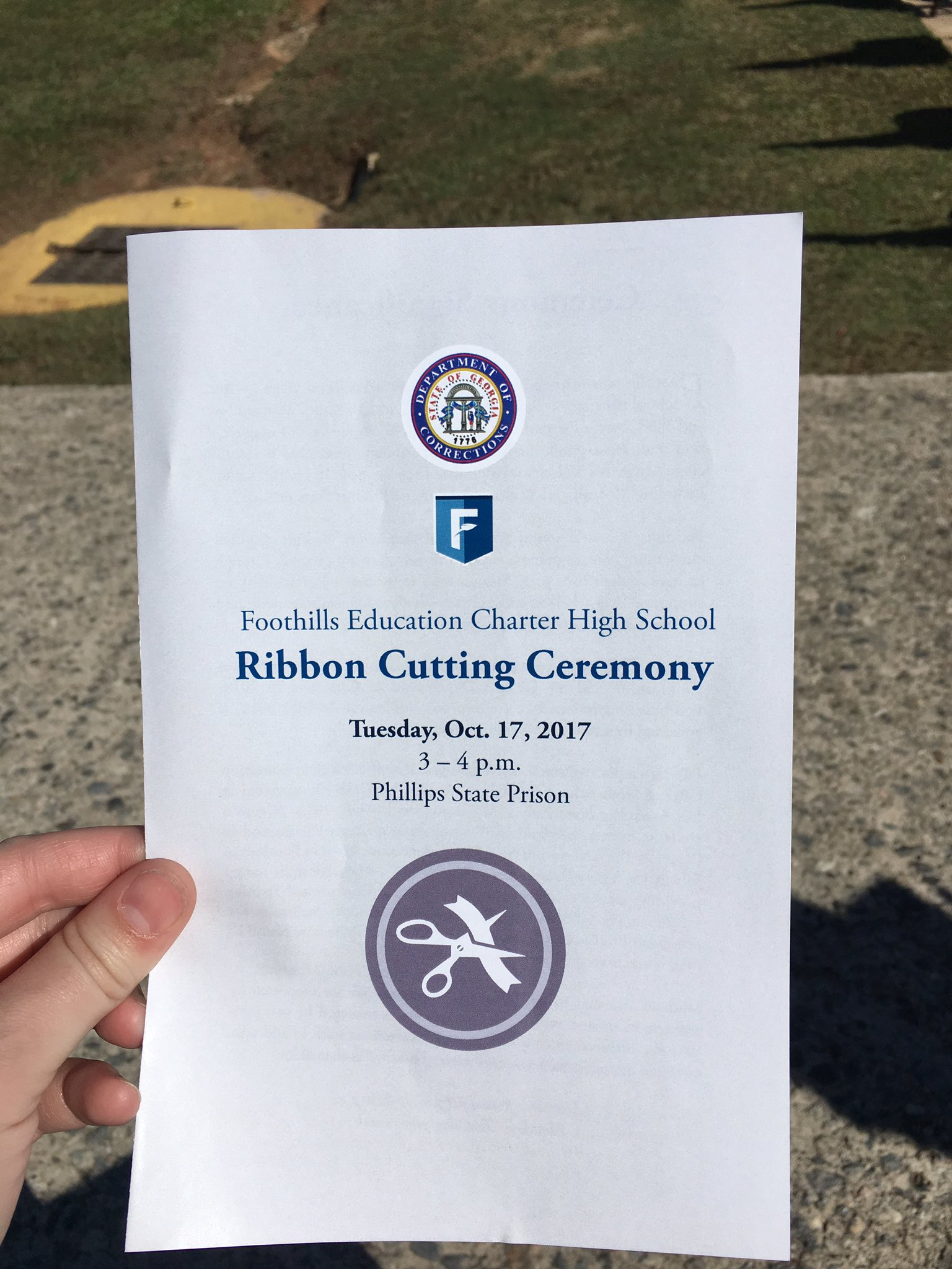 Phillips State Prison hosts Foothills Education Charter High School Ribbon Cutting @ASCALeadership @GovernorDeal @GAFirstLady @WeAreRALLY https://t.co/1Bb36hEM6W