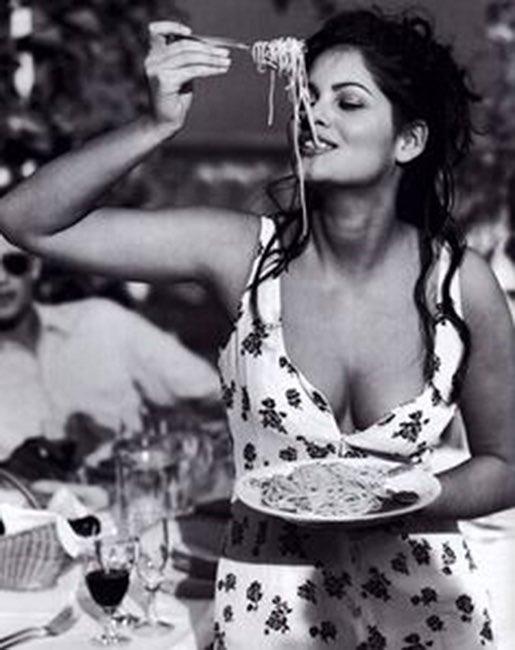 RT @KitchenSprout: Everything you see, I owe to #Spaghetti 🍝🍴🍝🍴🍝 #SophiaLoren  #NationalPastaDay https://t.co/q9GwFbw0dl