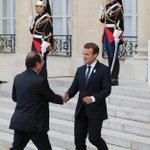 """Pour François Hollande, Emmanuel Macron mène """"une politique brutale"""""""