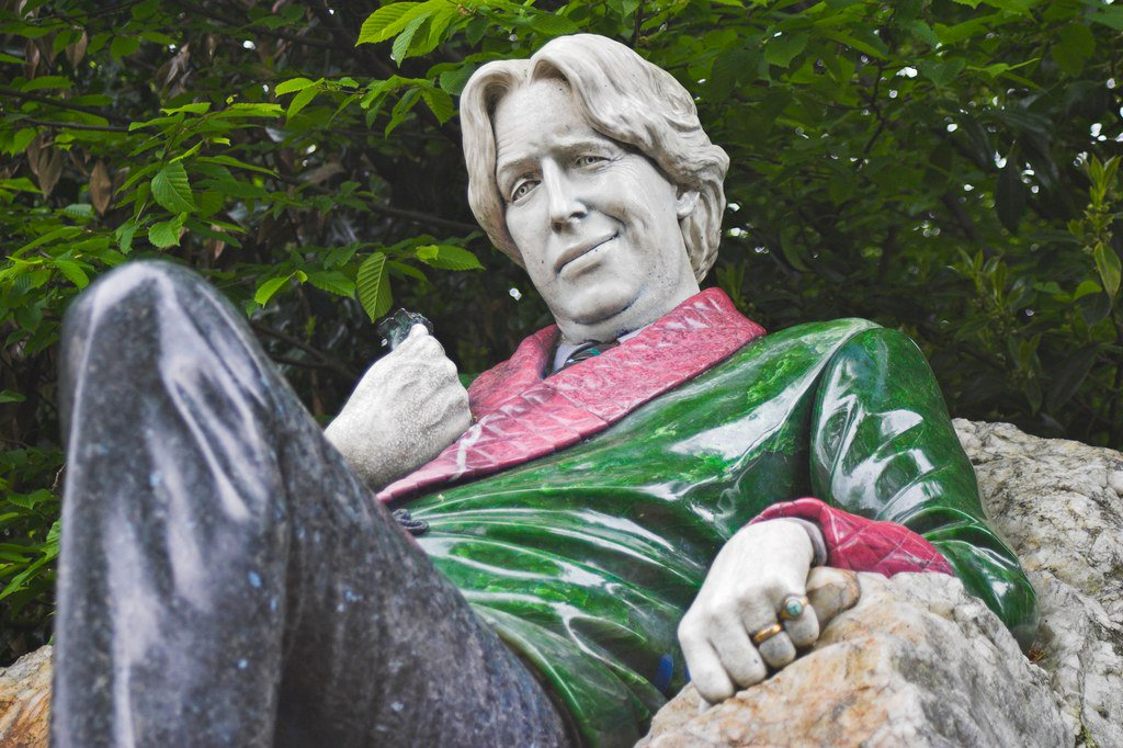 Dublin's statues will now call your cell phone https://t.co/LU37xuhd9I https://t.co/EZeaiXYlTz