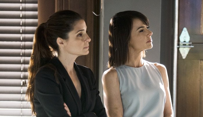 #UnREAL Season 3 Premiere Date and Trailer Released https://t.co/n2AD7t86cR https://t.co/rWhfWFW3FO