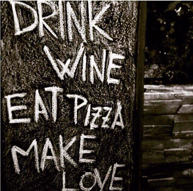 RT @KitchenSprout: The 3 secrets to a good life  🍷🍕💋🍷🍕💋 #NationalPastaDay https://t.co/dWD4h4JbCg