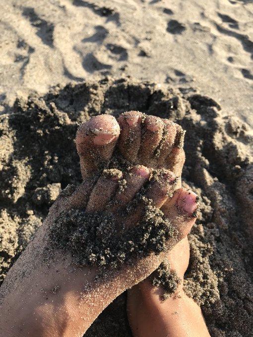 bb open toes https://t.co/FZYcAS8DD8