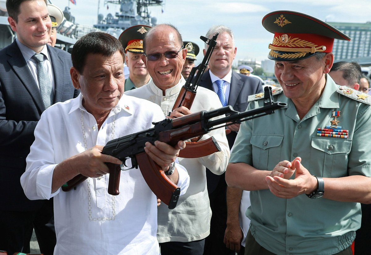 Russia is giving 6,000 guns to the Philippines, Duterte reveals