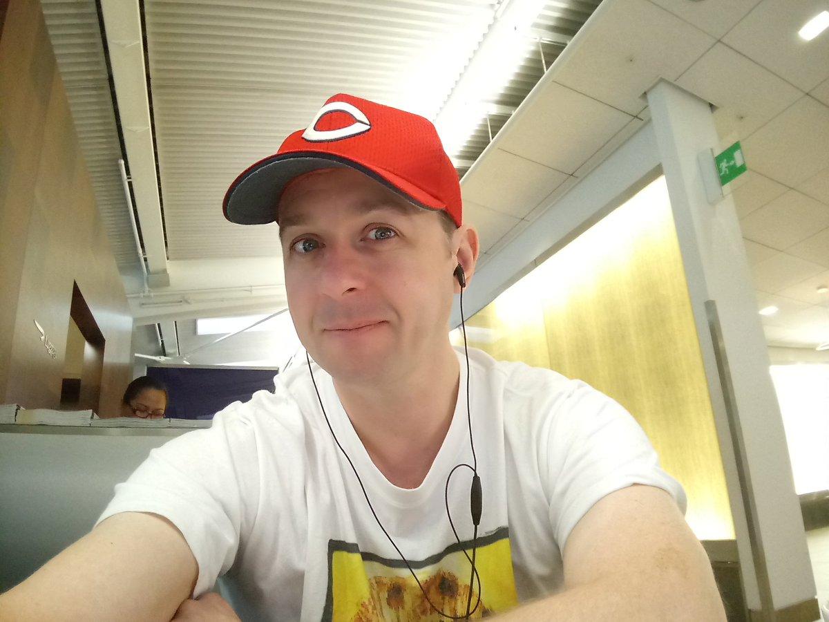 RT @BritishCarpFan: London の空港で試合を見ています。。。#carp #carpLife always a #carpRonin https://t.co/shrzSwXRFF