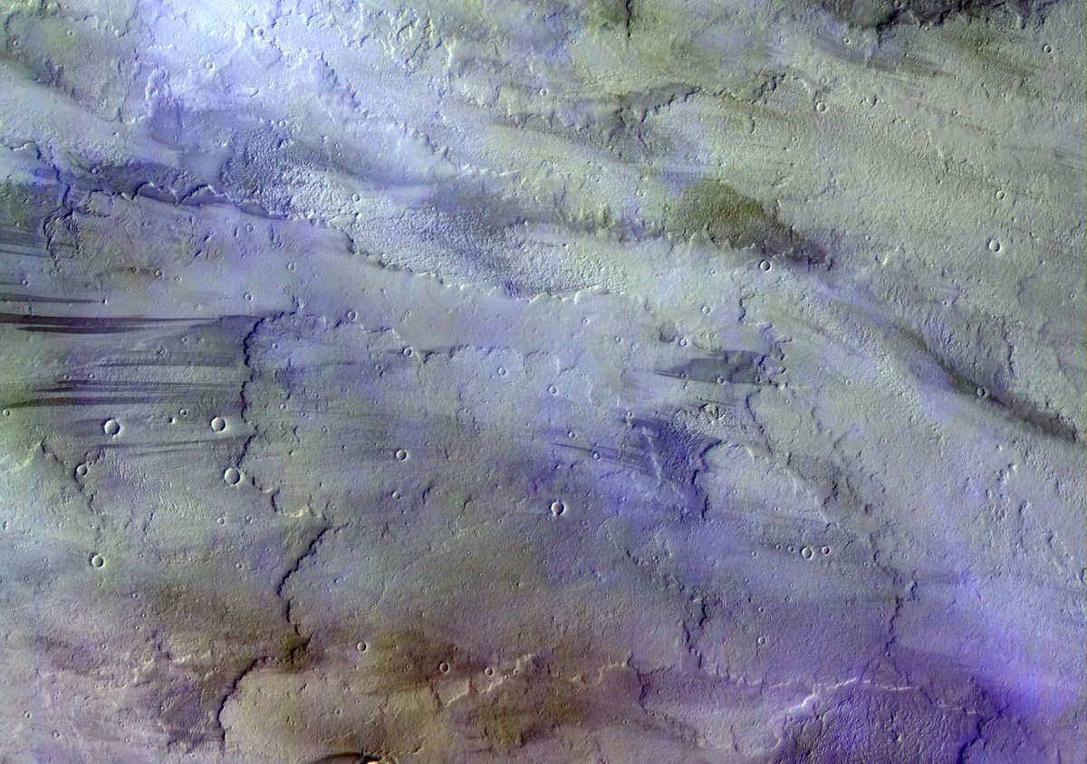 Nubes sobre ríos de lava en Marte en esta imagen de ExoMars#Marte