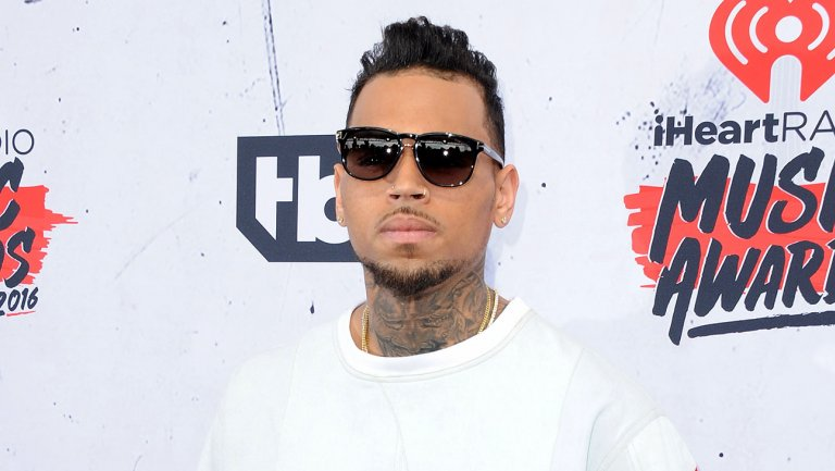 Chris Brown's name cut from '30 Rock'