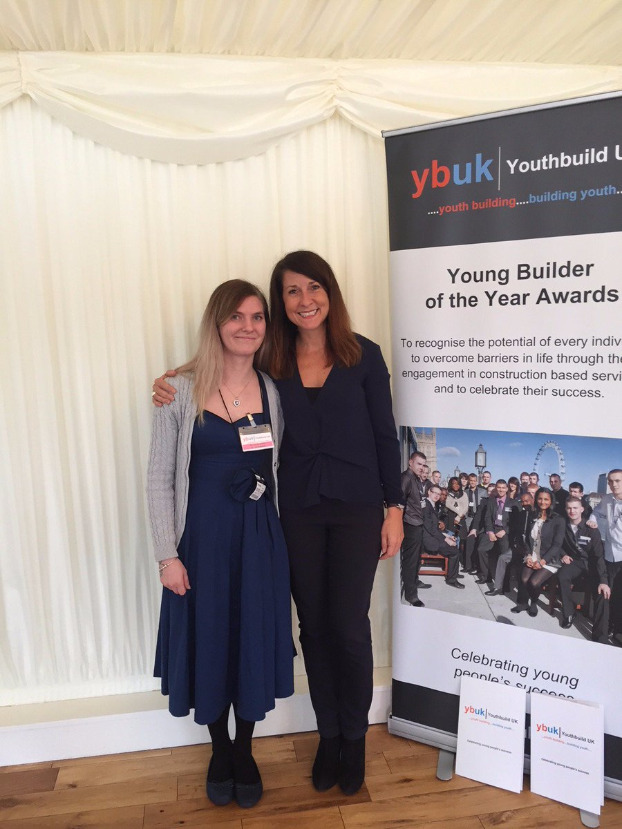 RT @Redrowplc: A meeting of the two Liz's @youthbuild_uk Young Builder of the Year Awards! @leicesterliz https://t.co/EMb9UliAK7
