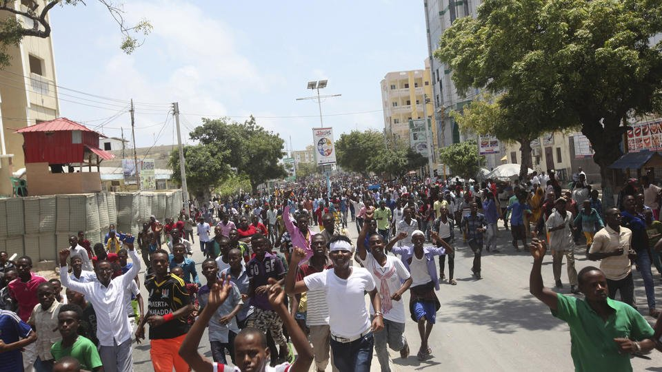 The Latest: 2 arrested in connection with Somalia bombing