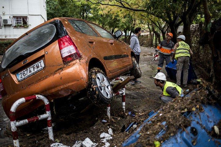 @BroadcastImagem: Inundações causam estragos em Jerez de la Frontera, na Espanha. Javier Fergo/AP