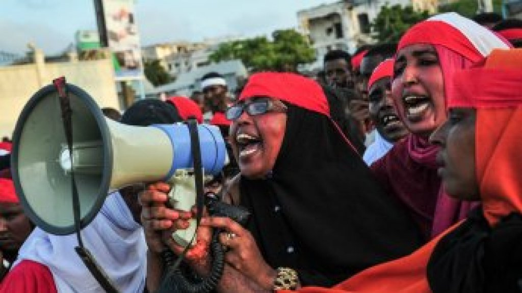 Thousands in Somali capital march in defiance after attack