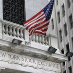 US stock indexes mostly higher in early trading; oil up