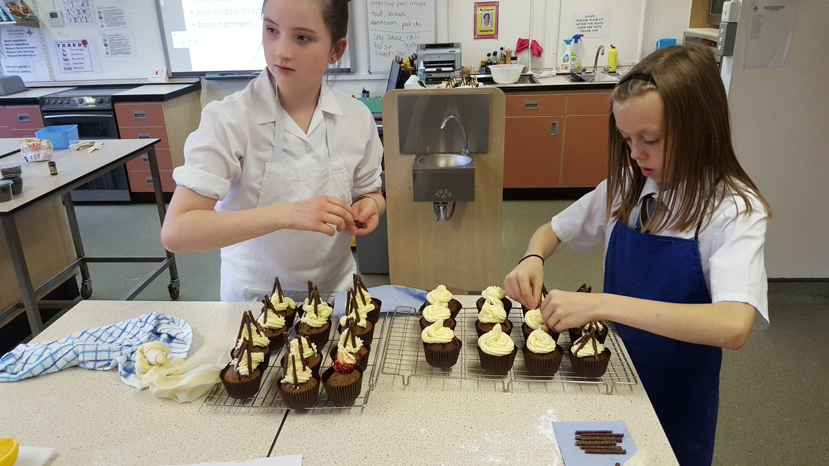 test Twitter Media - Bonfire cupcakes completed. A great time had by all. Well done Year 7. https://t.co/BoCaFVaKmI