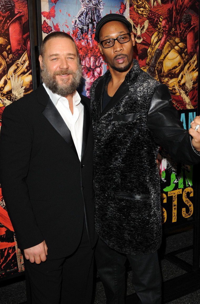 RZA admits Russell Crowe spat at Azealia Banks during 2016 confrontation. https://t.co/7VkllJLa7s https://t.co/zsXIfsp0Wh