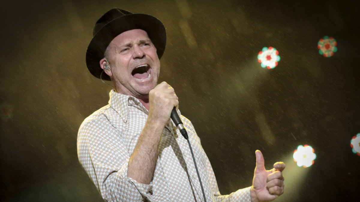 RIP Gord Downie. Your soul and music will be missed. #TragicallyHip #Canada https://t.co/ipomwc8Tfa