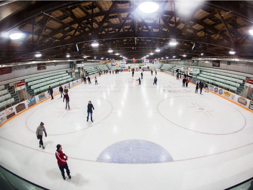 Workers killed by suspected ammonia leak at Fernie arena were doing maintenance