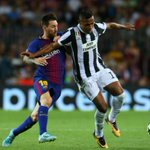 Soccer-Juve recover from bizarre own goal to snatch late win