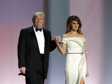 Melania Trump to donate inaugural ball gown to Smithsonian