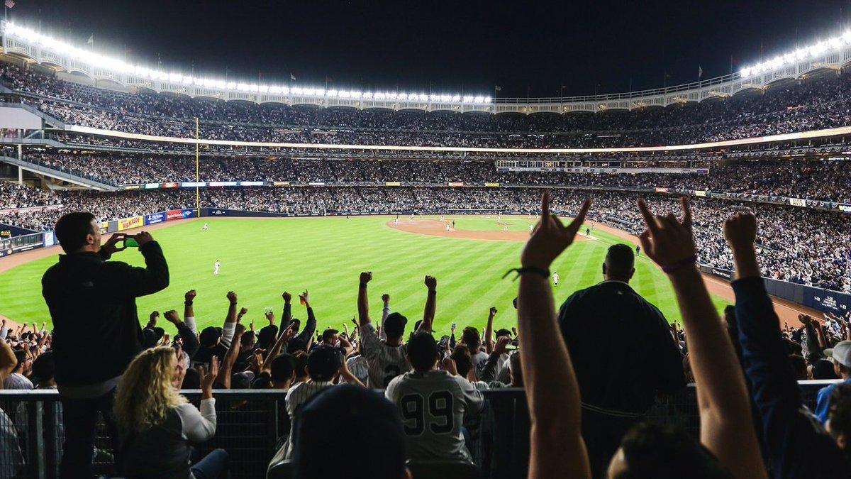 RT @Yankees: Pure pandemonium.  #PinstripePride https://t.co/8gCLqvrrXR