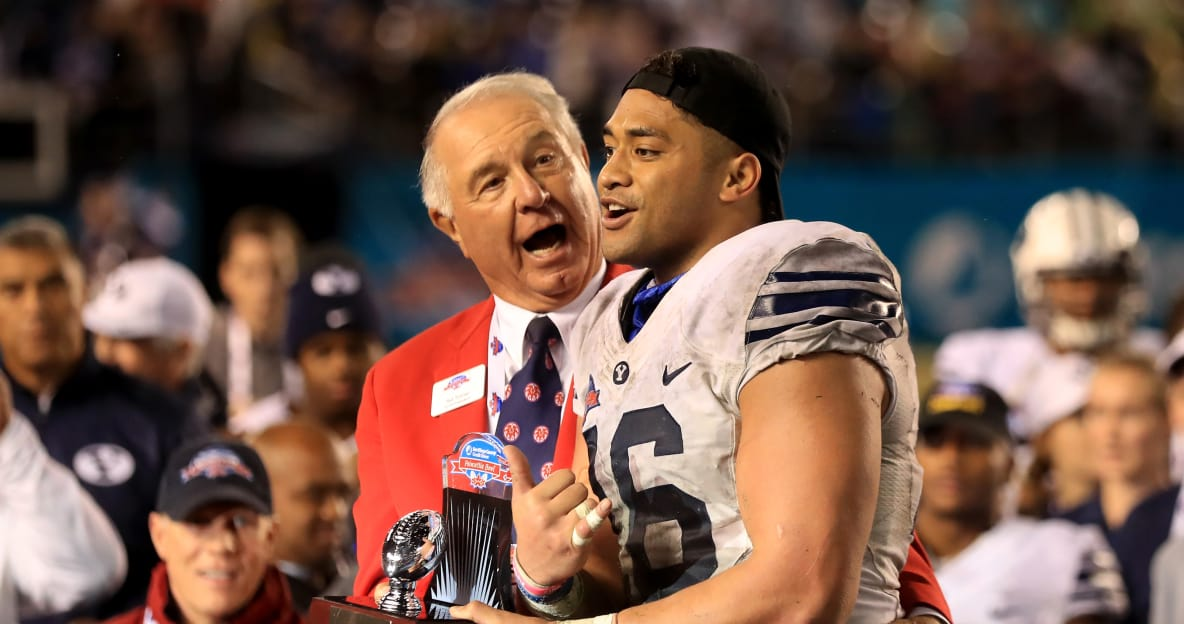 Video: Patriots LB Harvey Langi sees wife for first time after accident