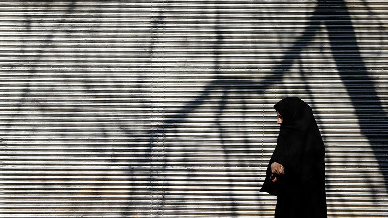 #Quebec bans face veils in public sector, including on transport, in schools & hospitals