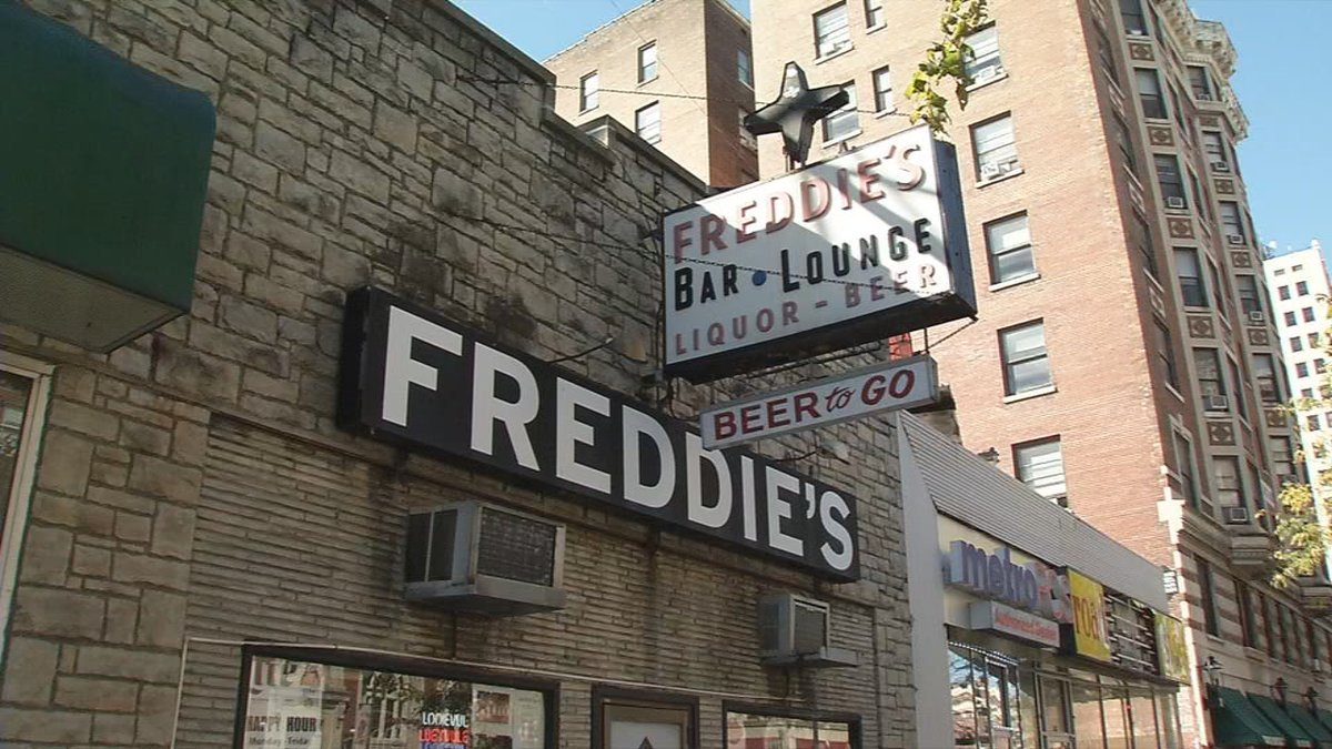 Longtime bar in downtown Louisville closing after 57 years on Broadway