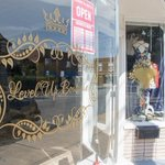 Lakewood boutique owner keeps dream alive with extra job and plans for a sign: A Greater Cleveland