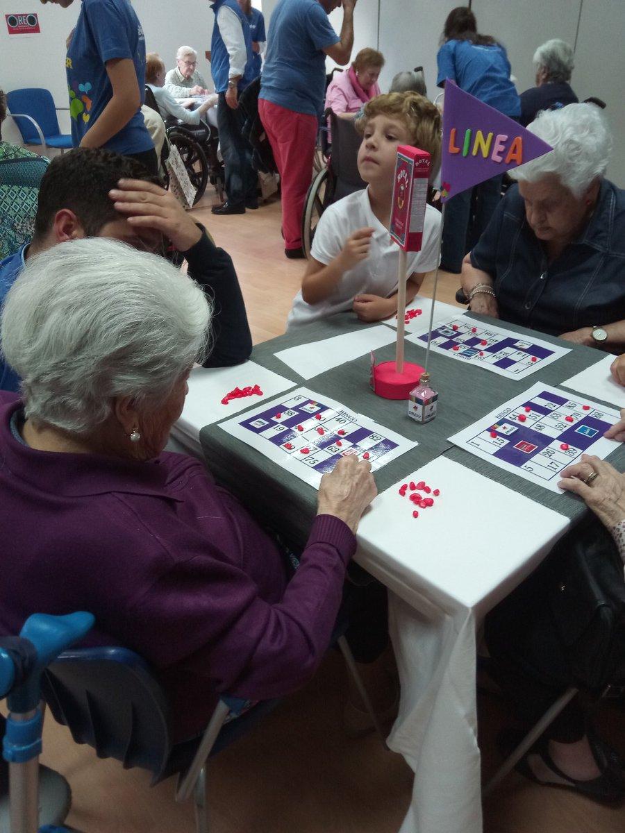 test Twitter Media - La tarde sonríe a nuestras residentes porque esta vez es Julia de 103 años quien canta línea en nuestro #bingo @MDLZ 👏 https://t.co/j4ss2ZwNfu